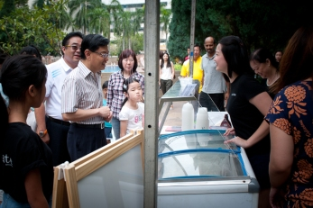eduKate gets a visit from the Minister of Education, Mr Heng Swee Kiat in eduKate's 2014 community development programme.